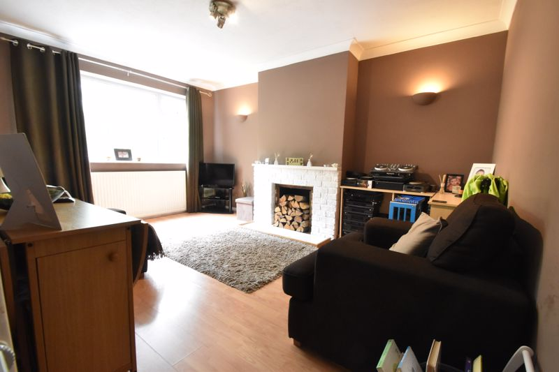 2 bedroom Maisonette to buy in Turners Road North, Luton - Photo 14