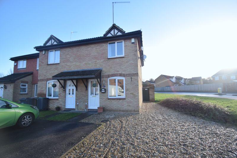 2 bedroom  to buy in Elveden Close, Luton