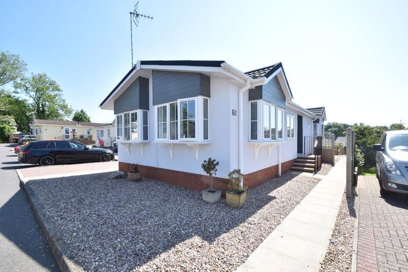 2 bedroom Park Home to buy in Folly Lane, Luton