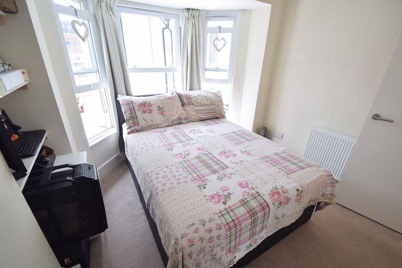 1 bedroom  to buy in Collingdon Street, Luton - Photo 1