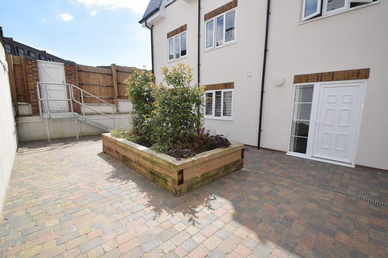 1 bedroom  to buy in Collingdon Street, Luton - Photo 8