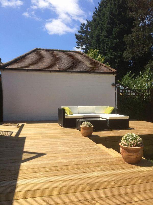 3 bedroom Semi-Detached  to buy in Cutenhoe Road, Luton - Photo 18