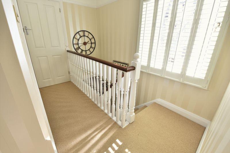 3 bedroom Semi-Detached  to buy in Cutenhoe Road, Luton - Photo 9