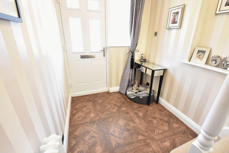 3 bedroom Semi-Detached  to buy in Cutenhoe Road, Luton - Photo 13
