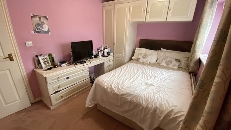 3 bedroom End Terrace to buy in Dunraven Avenue, Luton - Photo 6