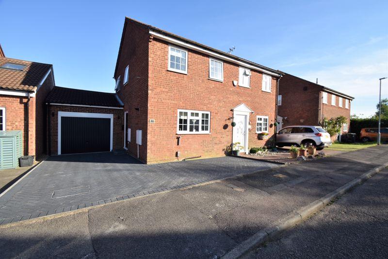 2 bedroom Semi-Detached  to buy in Barnston Close, Luton
