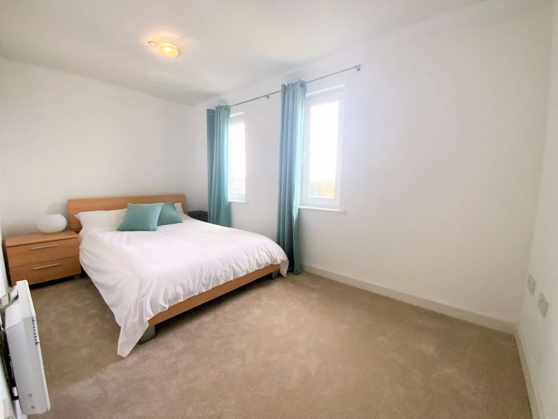 3 bedroom Semi-Detached  to buy in Tylers Mead, Luton - Photo 1