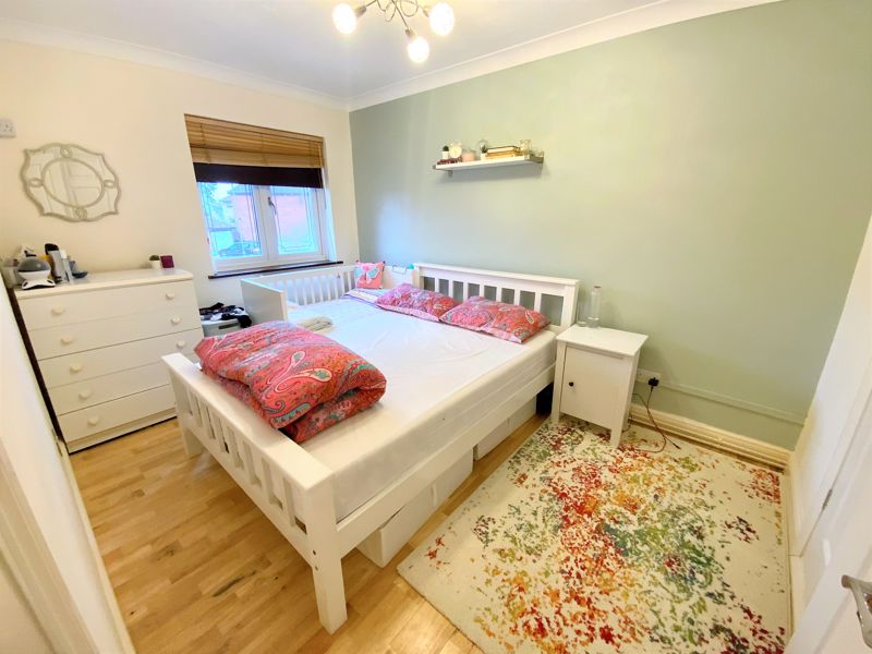 3 bedroom Semi-Detached  to buy in Tylers Mead, Luton - Photo 3