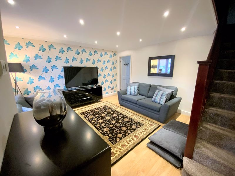 3 bedroom Semi-Detached  to buy in Tylers Mead, Luton - Photo 9