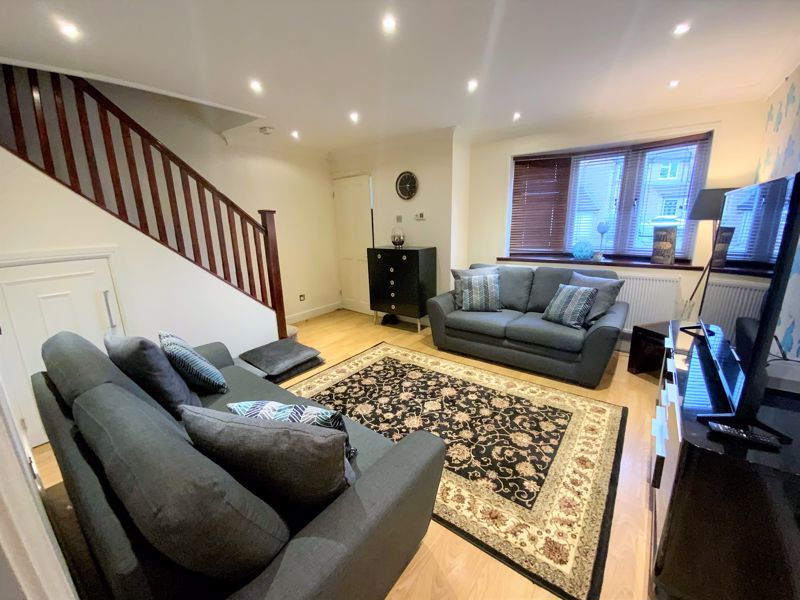 3 bedroom Semi-Detached  to buy in Tylers Mead, Luton - Photo 10