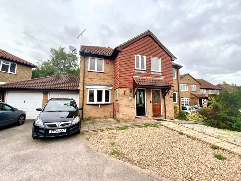 3 bedroom Semi-Detached  to buy in Tylers Mead, Luton - Photo 13
