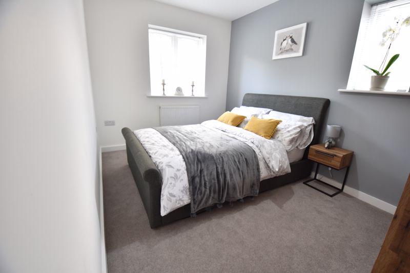 2 bedroom  to buy in Ridgway Road, Luton - Photo 4