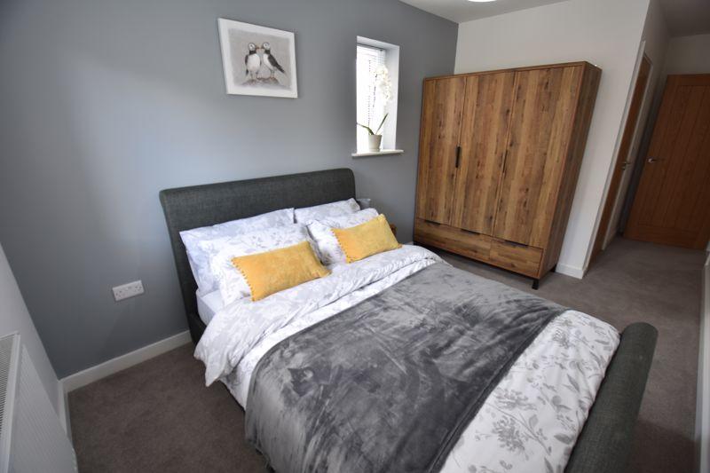 2 bedroom  to buy in Ridgway Road, Luton - Photo 2
