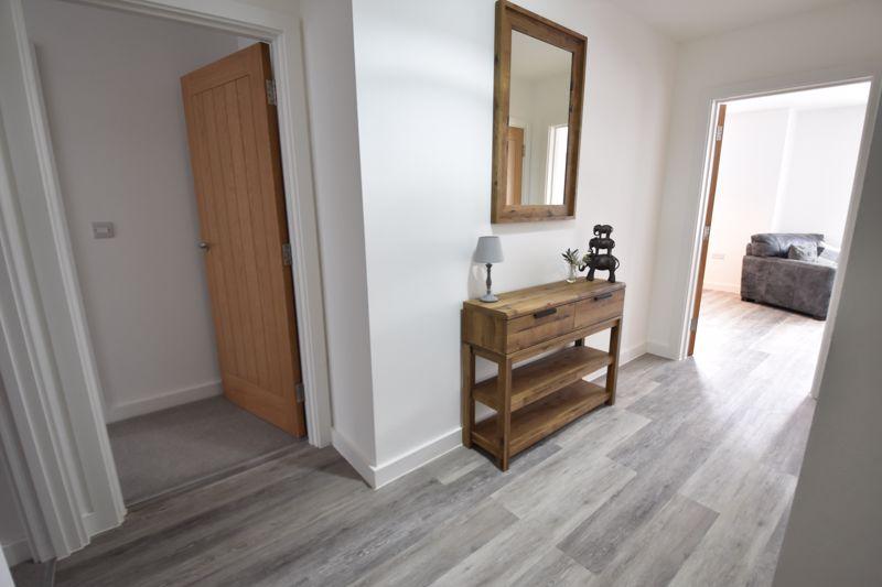 2 bedroom  to buy in Ridgway Road, Luton - Photo 7