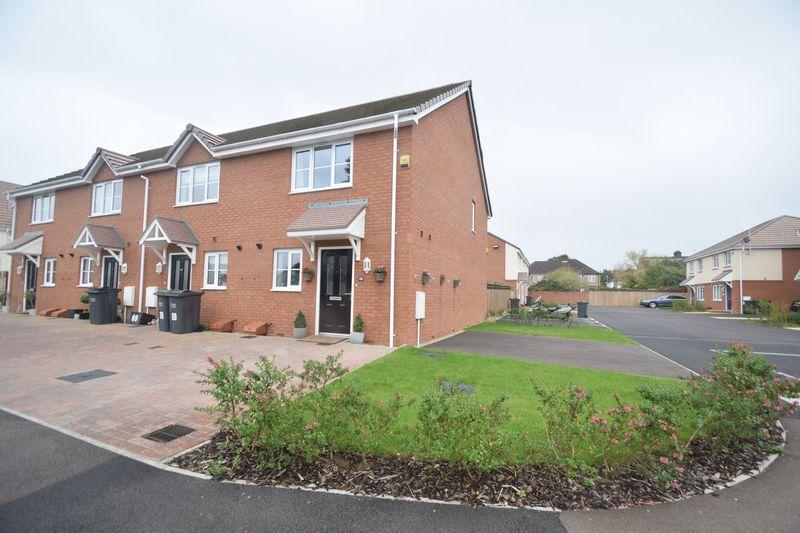 2 bedroom End Terrace to buy in Verde Close, Luton