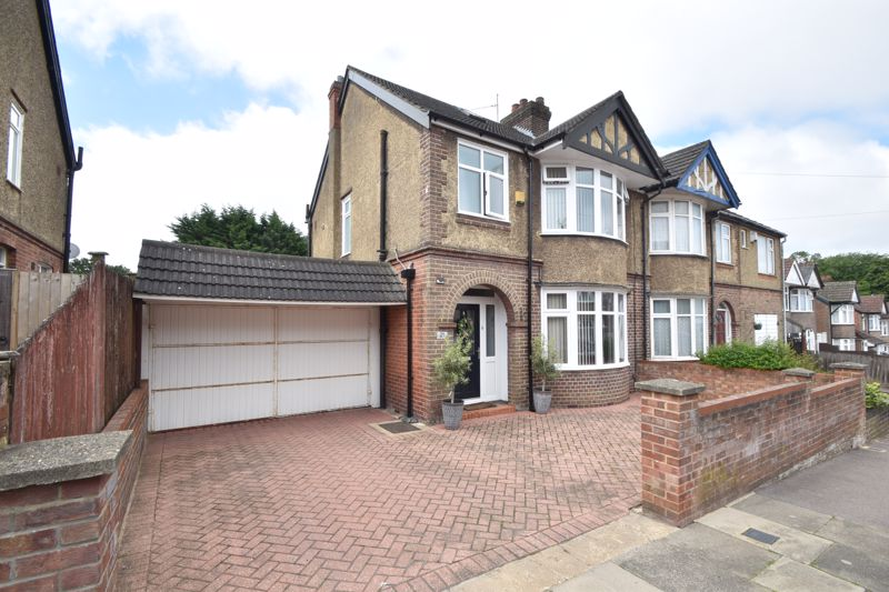 3 bedroom Semi-Detached  to buy in Woodbury Hill, Luton