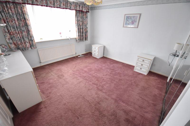 4 bedroom Detached  to buy in Kilmarnock Drive, Luton - Photo 22