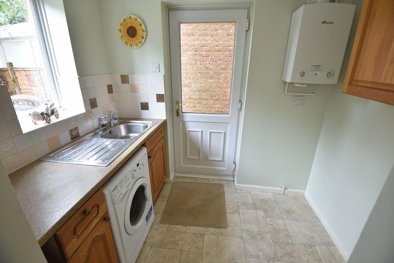 4 bedroom Detached  to buy in Kilmarnock Drive, Luton - Photo 6