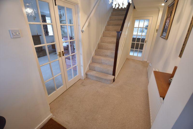 4 bedroom Detached  to buy in Kilmarnock Drive, Luton - Photo 14