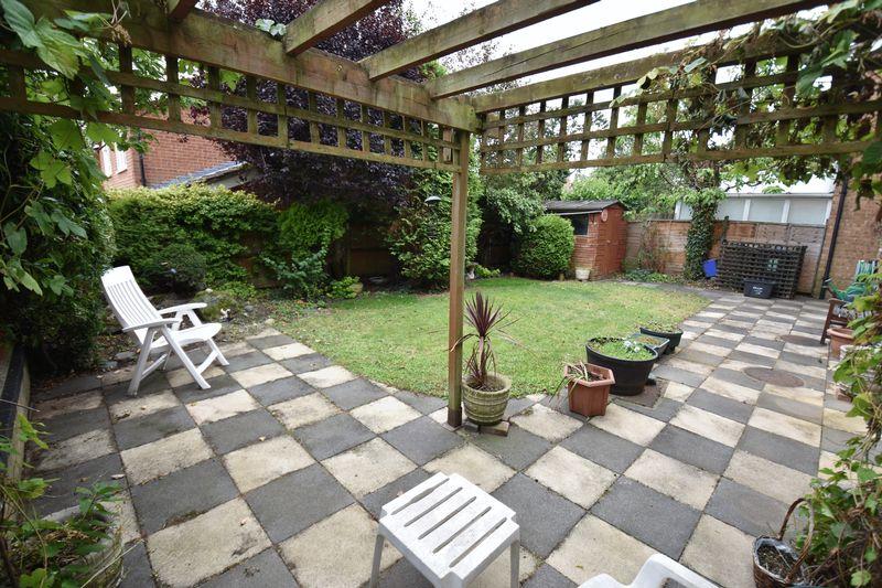 4 bedroom Detached  to buy in Kilmarnock Drive, Luton - Photo 18