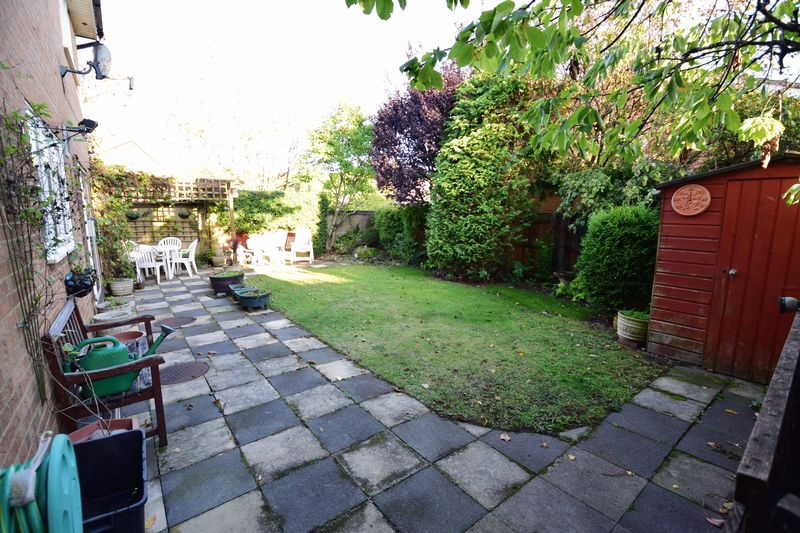 4 bedroom Detached  to buy in Kilmarnock Drive, Luton - Photo 21