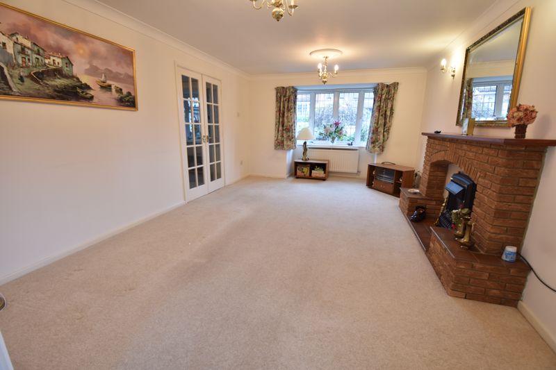 4 bedroom Detached  to buy in Kilmarnock Drive, Luton - Photo 20