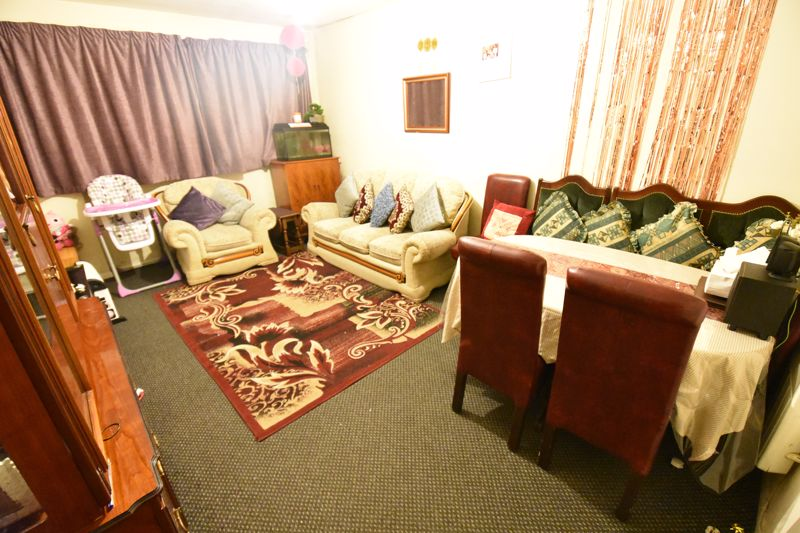 2 bedroom Flat to buy in Moulton Rise, Luton - Photo 1