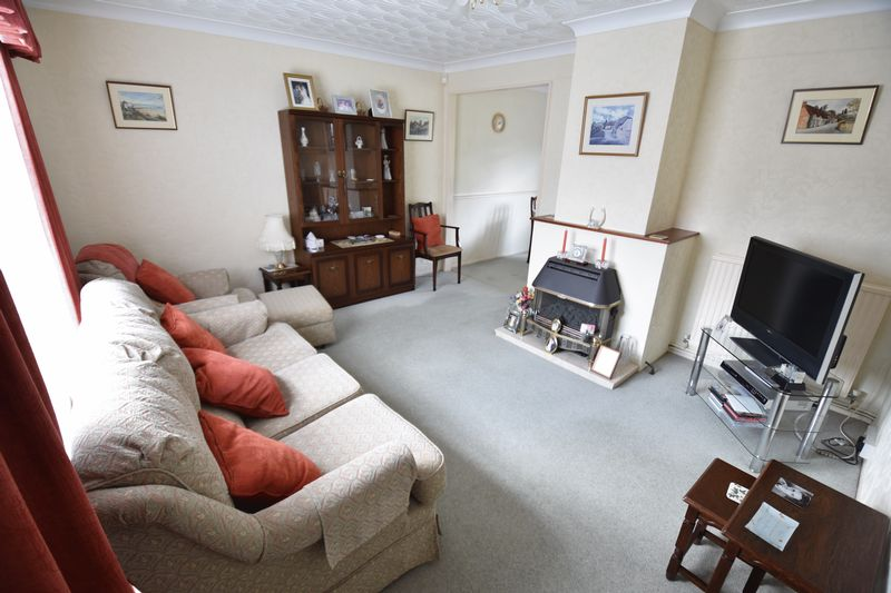 3 bedroom Semi-Detached  to buy in Williton Road, Luton - Photo 2