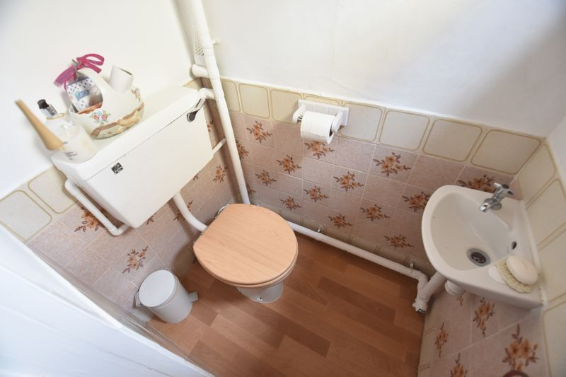 3 bedroom Semi-Detached  to buy in Williton Road, Luton - Photo 7