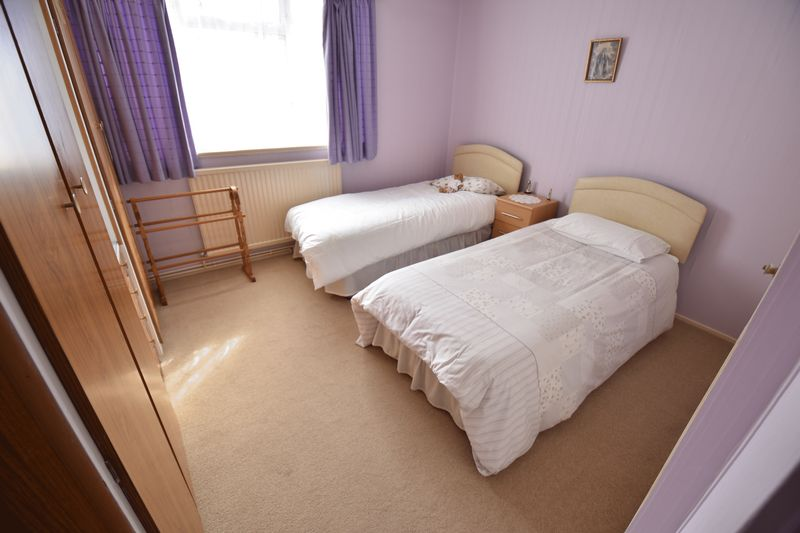 3 bedroom Semi-Detached  to buy in Williton Road, Luton - Photo 8