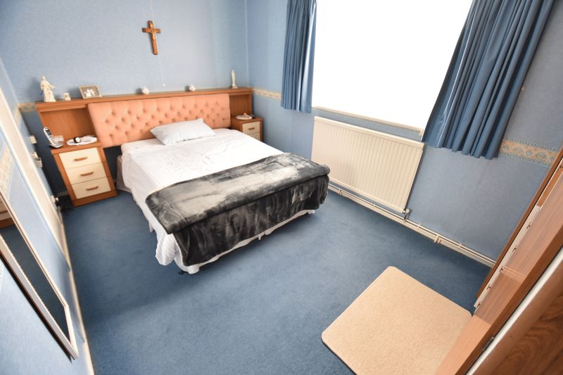 3 bedroom Semi-Detached  to buy in Williton Road, Luton - Photo 9