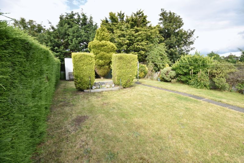 3 bedroom Semi-Detached  to buy in Williton Road, Luton - Photo 13