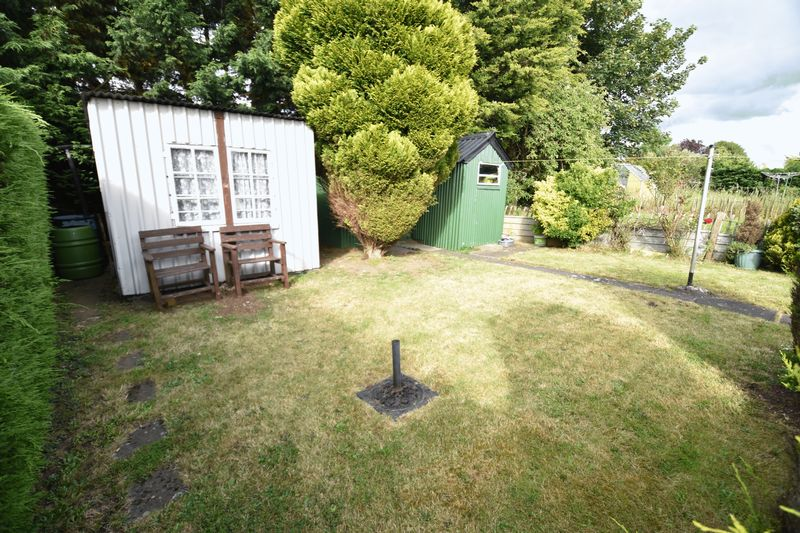 3 bedroom Semi-Detached  to buy in Williton Road, Luton - Photo 14