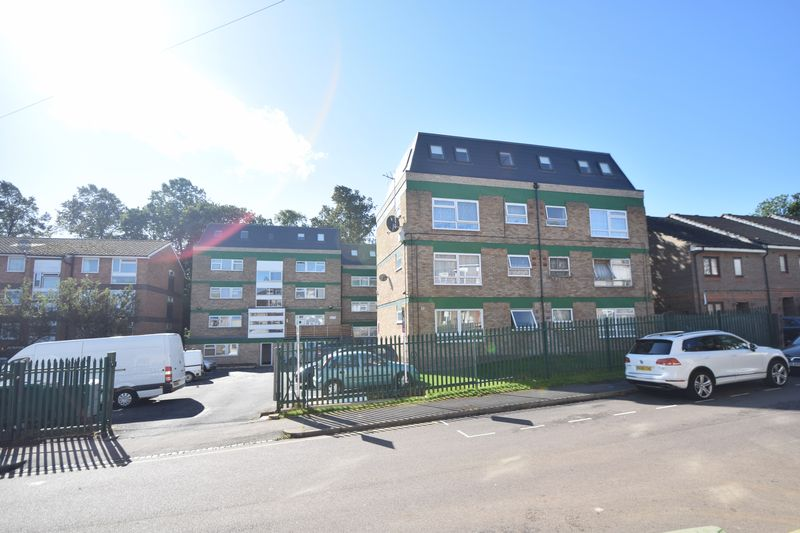 2 bedroom Apartment / Studio to buy in Brook Street, Luton