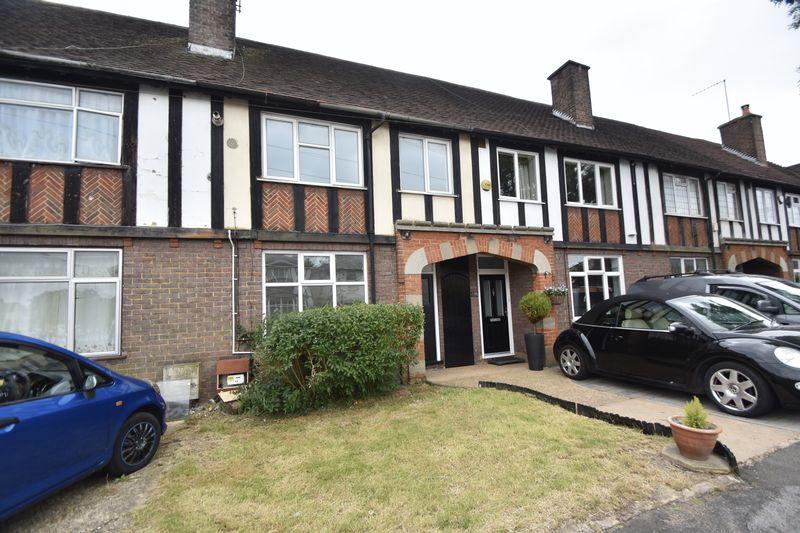 3 bedroom Mid Terrace to rent in Limbury Road, Luton