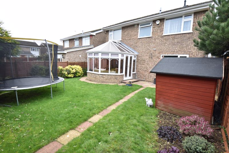 4 bedroom Detached  to buy in Boxgrove Close, Luton - Photo 15