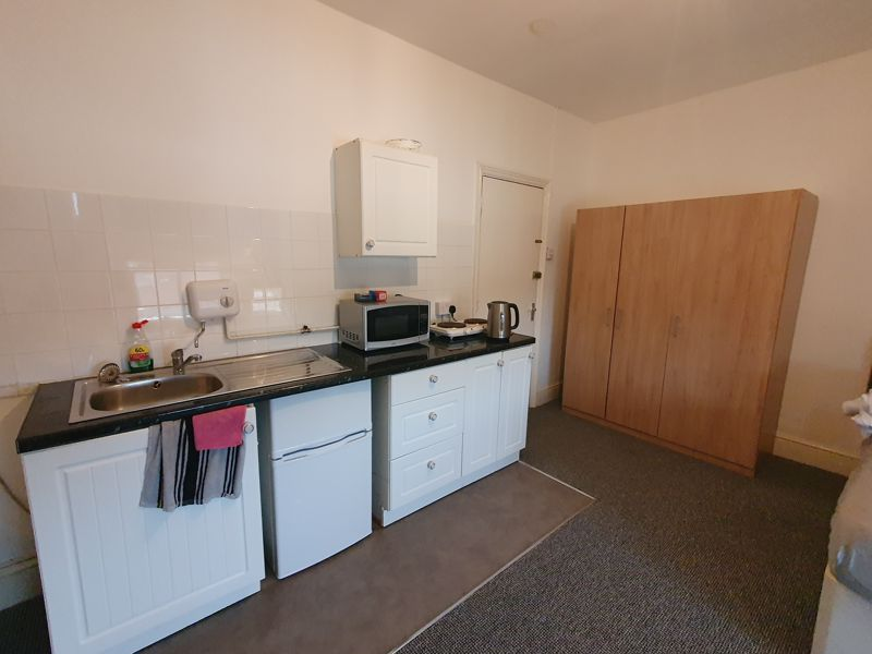 0 bedroom  to rent in Russell Rise, Luton - Photo 4