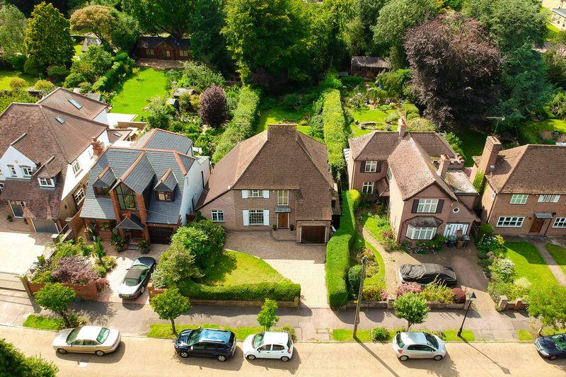 4 bedroom  to buy in Ludlow Avenue, Luton - Photo 31