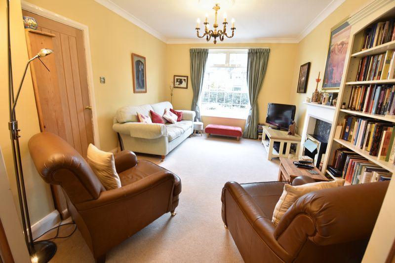 4 bedroom  to buy in Ludlow Avenue, Luton - Photo 1