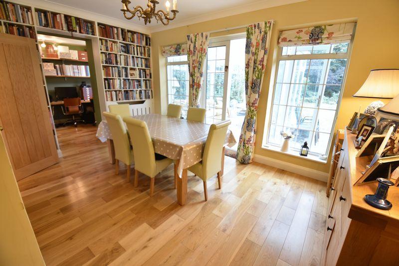 4 bedroom  to buy in Ludlow Avenue, Luton - Photo 4
