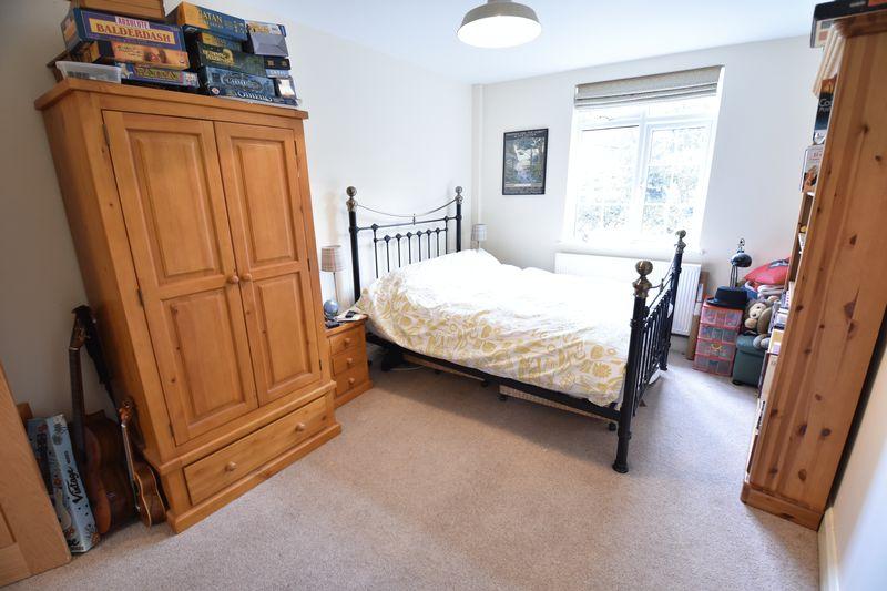 4 bedroom  to buy in Ludlow Avenue, Luton - Photo 7