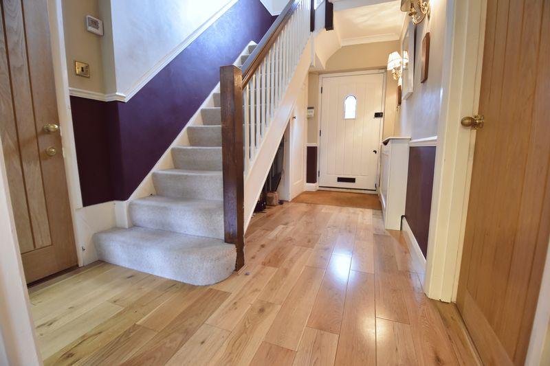 4 bedroom  to buy in Ludlow Avenue, Luton - Photo 8