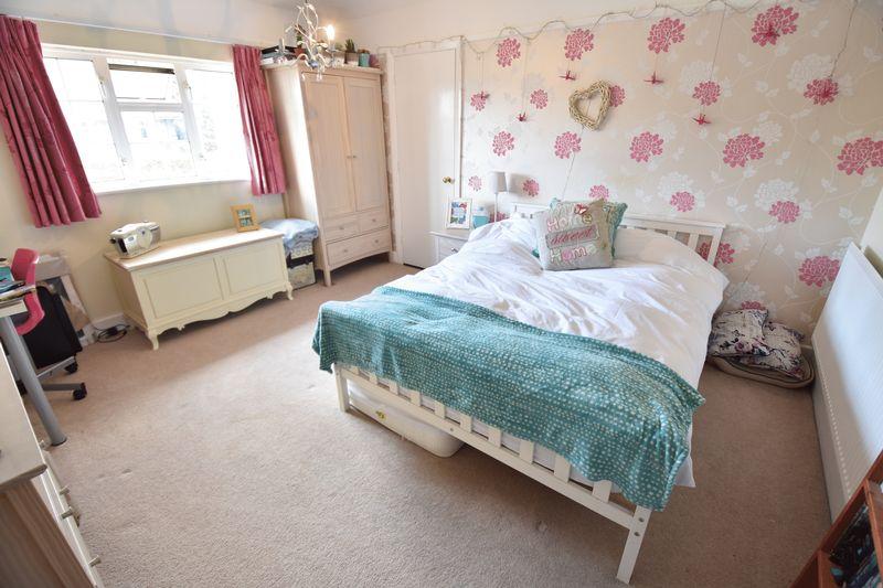 4 bedroom  to buy in Ludlow Avenue, Luton - Photo 12