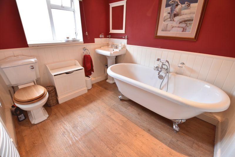 4 bedroom  to buy in Ludlow Avenue, Luton - Photo 15
