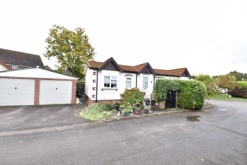 2 bedroom  to buy in Acorn Close, Bedford