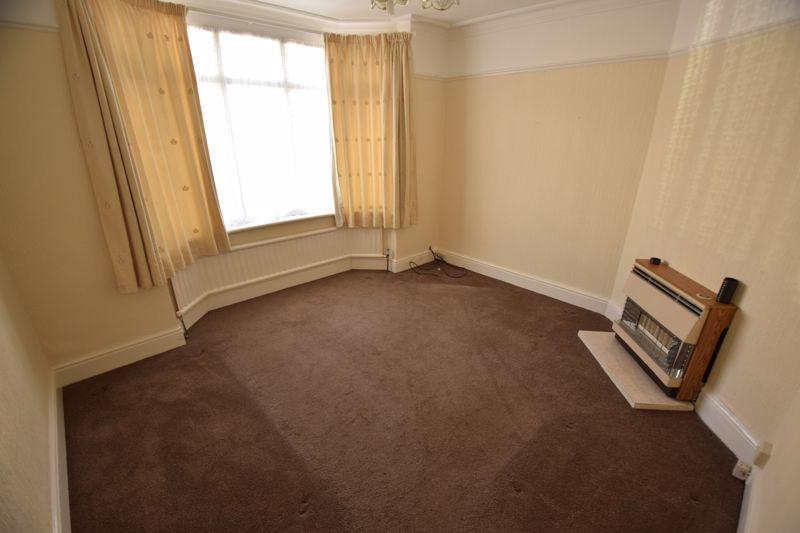 3 bedroom Semi-Detached  to buy in Beechwood Road, Luton - Photo 2