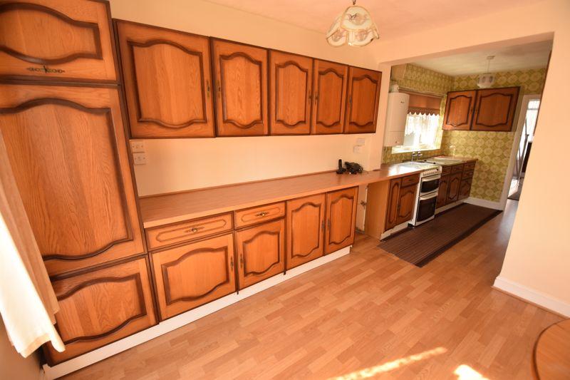 3 bedroom Semi-Detached  to buy in Beechwood Road, Luton - Photo 7