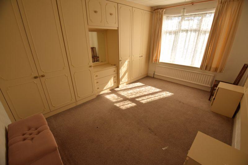 3 bedroom Semi-Detached  to buy in Beechwood Road, Luton - Photo 10