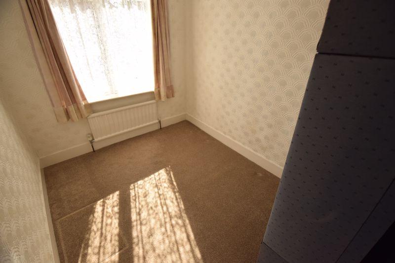 3 bedroom Semi-Detached  to buy in Beechwood Road, Luton - Photo 11