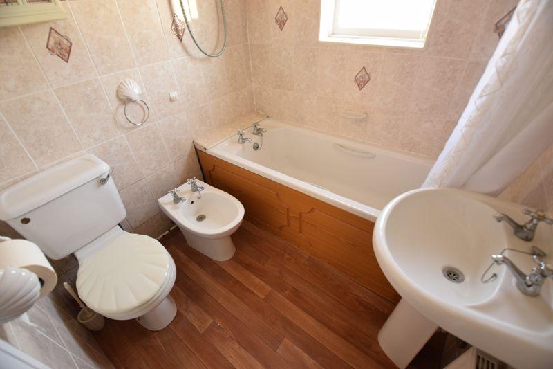 3 bedroom Semi-Detached  to buy in Beechwood Road, Luton - Photo 12
